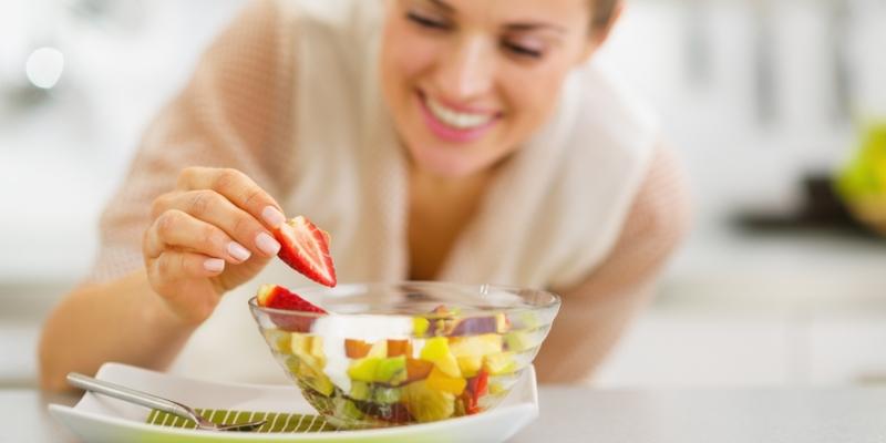 Como manter uma vida mais saudável comendo frutas